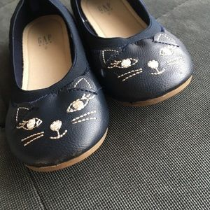 GAP Shoes - Girls Flats shoes Size 2 by GAP